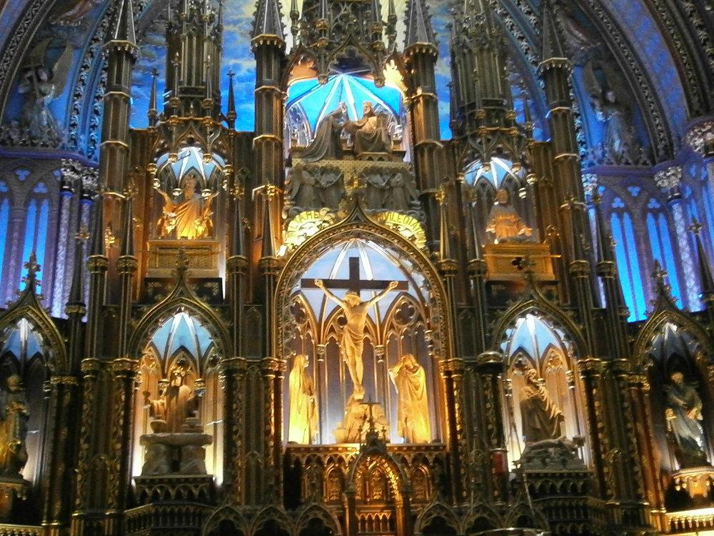 5-Oltarz w Katedrze Notre Dame.JPG